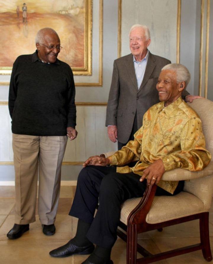 Desmond Tutu, Carter e Nelson Mandela.