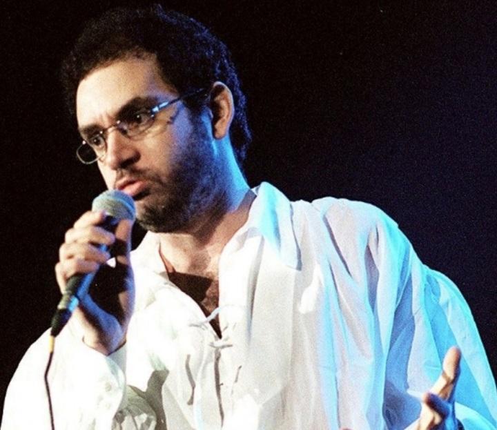 11.out.1996 - Líder da banda Legião Urbana, o músico Renato Russo morreu aos 36 anos após complicações causadas pela Aids