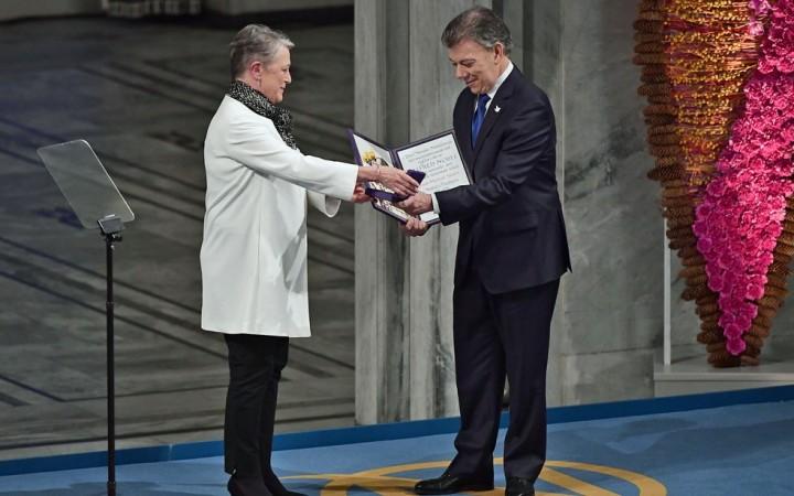santos-recebe-nobel-pela-paz-na-colombia